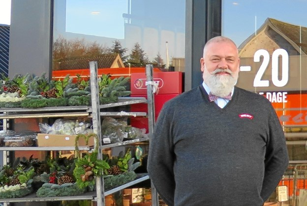 Købmand Steen Risager har solgt sin butik i Als. Foto: hhr-freelance.dk