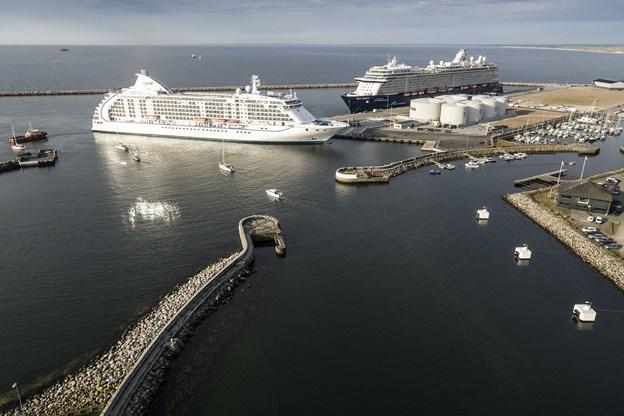 Mein Schiff og Seven Seas Voyager fyldte godt op på cruise kajen i Skagen, og der bliver også travlt i 2019 med op mod 73.500 gæster. Det er rekord. Arkivfoto: Peter Broen