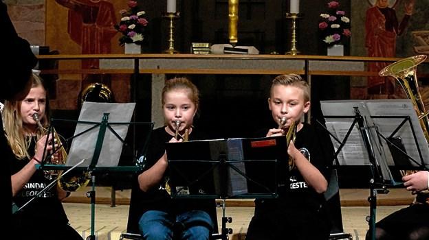 Sindal Skoleorkester deltager i musikcafe  i sognegården.  Arkivfoto