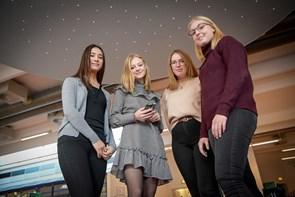 Butikskæde får hjælp fra fire elever