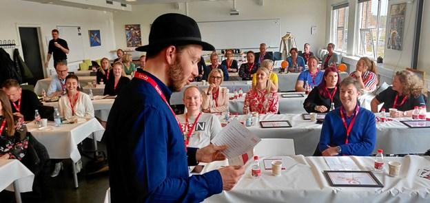 10 finalister kæmpede om at vinde titlen som bedste praktikophold på Erhvervskademi Dania. I sidste ende blev det Nybolig Palle Ørtoft og Mie Dyg Christensen, der løb med prisen. Foto: Dania