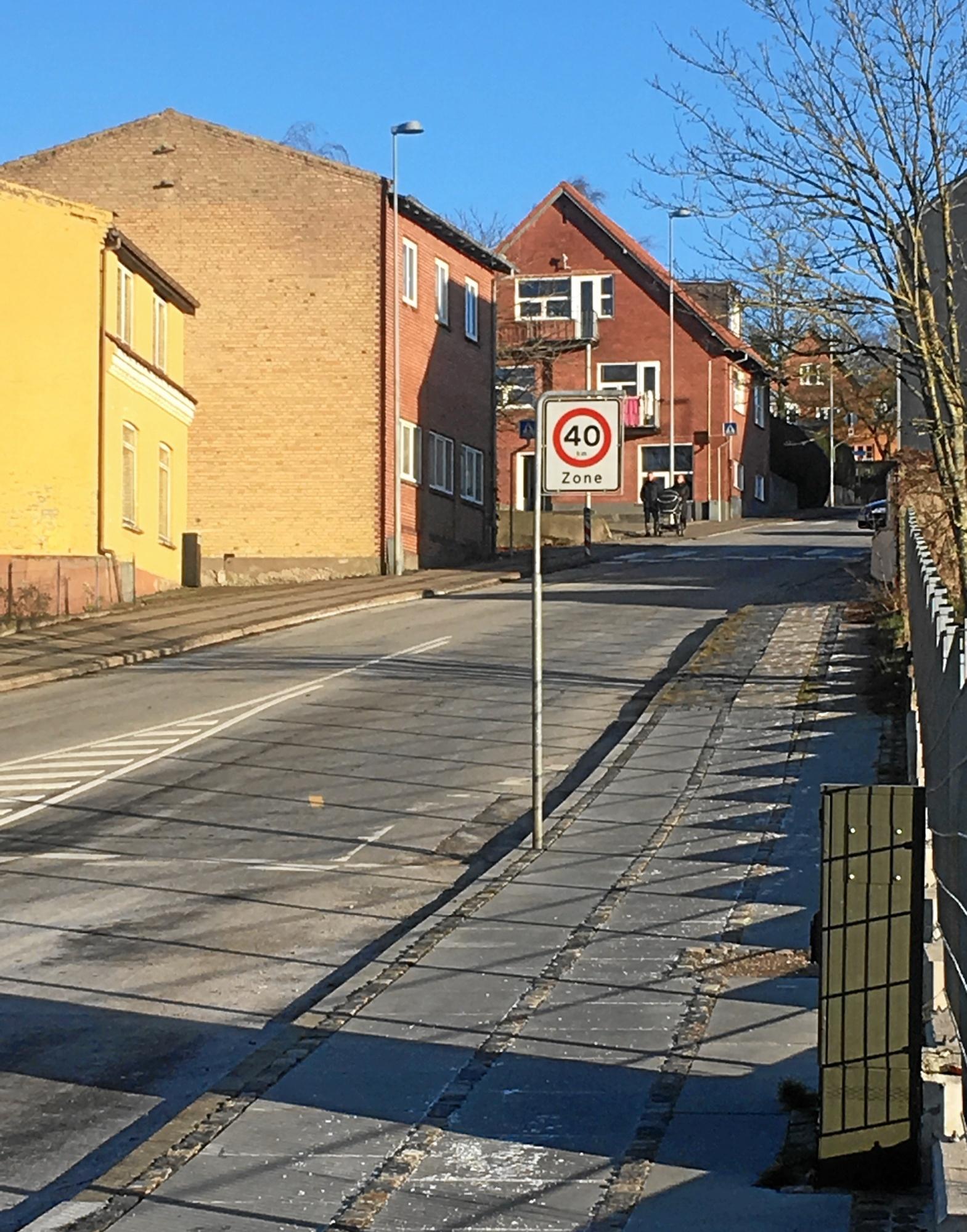 Ups, en svipser: Kommune glemte at sætte forbudsskilte op på plaget smutvej