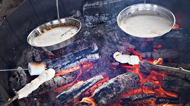 Pandekager og snobrød var en populær del af Sankt Hans. Foto: Bent Bach BENT BACH
