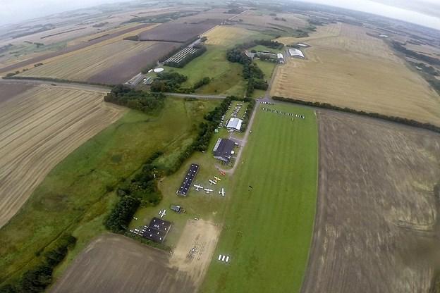 Flyvepladsen ved Ottestrup reddet af den røde glente. Arkivfoto: Morten Rom
