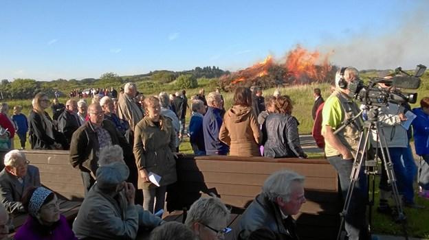 Der er igen bål på Attrup Havn, når heksen skal sendes til Bloksbjerg. Privatfoto: Per Iversen
