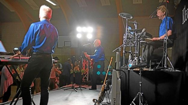 Klaus og Servant havde medbragt det helt store sceneshow med lys og lyd. Foto: Niels Helver Niels Helver