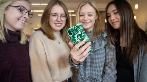 Virkeligheden banker på for Cecilie Høgh Andersen, Line Bødker Larsen, Emily Kim Hvas Olesen og Sofie Frahm, som har givet et forslag til, hvordan butikskæden Normal kan tiltrække endnu flere kunder.