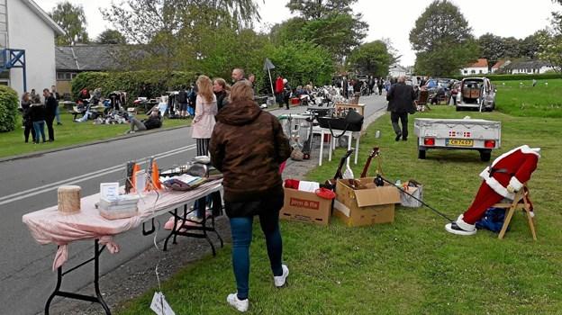 """Der var masser af boder, aktiviteter og hygge, da der blev afholdt """"Forårsdag i Try"""". Privatfoto"""