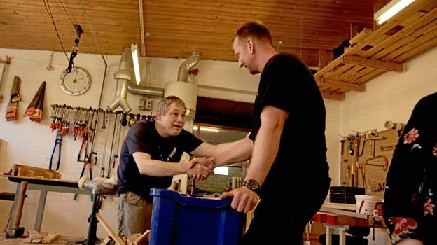 Erik Nielsen og pædagog Karsten Klim. Sidstnævnte fremhæver dokumentarfilmens fine fokus på, hvor glade folk på Nordstjernen er for at have et arbejde. Privatfoto
