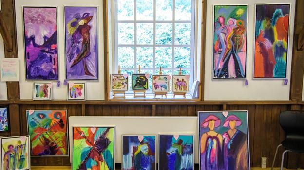 Frem til 14. juli holder blAAkunst sommerudstilling i Den Runde Pavillon. Foto: Peter Broen