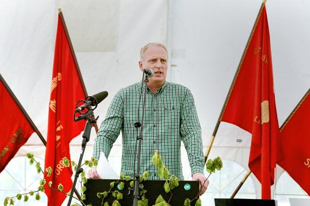 Som sædvanlig fejres arbejdernes internationale kam- og festdag i Bratskov med taler og røde sange. Blandt talerne er Morten Klessen. Arkivfoto: Michael Koch