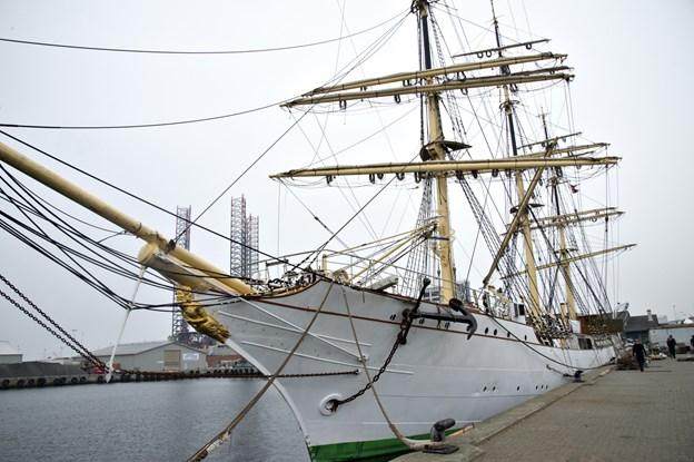 Skoleskibet Danmark har en tæt tilknytning til amerikansk søfartshistorie og nu bliver en film om skibet solgt i USA. Arkivfoto: Kurt Bering