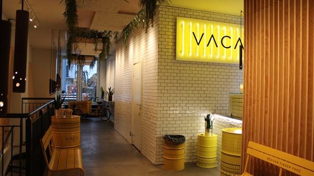 Hos VACA har de et godt udvalg af lækre tacos, som du kan give en seriøs opgradering med deres egenproducerede chilisauce. Foto: Pauline Vink
