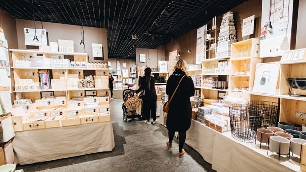 Søstrene Grenes butikker er kendt for deres labyrint af varer - i den nyrenoverede butik i storcentret bliver turen rundt nu endnu længere. PR-foto