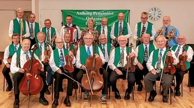 Aalborg Pensionistorkester lægger 15. januar vejen forbi Fjordparken i Hals. Privatfoto