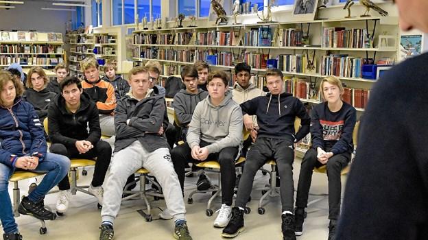 De ældste elever på Hanstholm Skole startede den sidste af tre demokrati-uger op med politisk debat. Foto: Ole Iversen