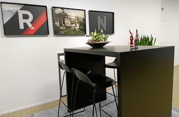 Stilfuld indretning og små oaser til kunderne.