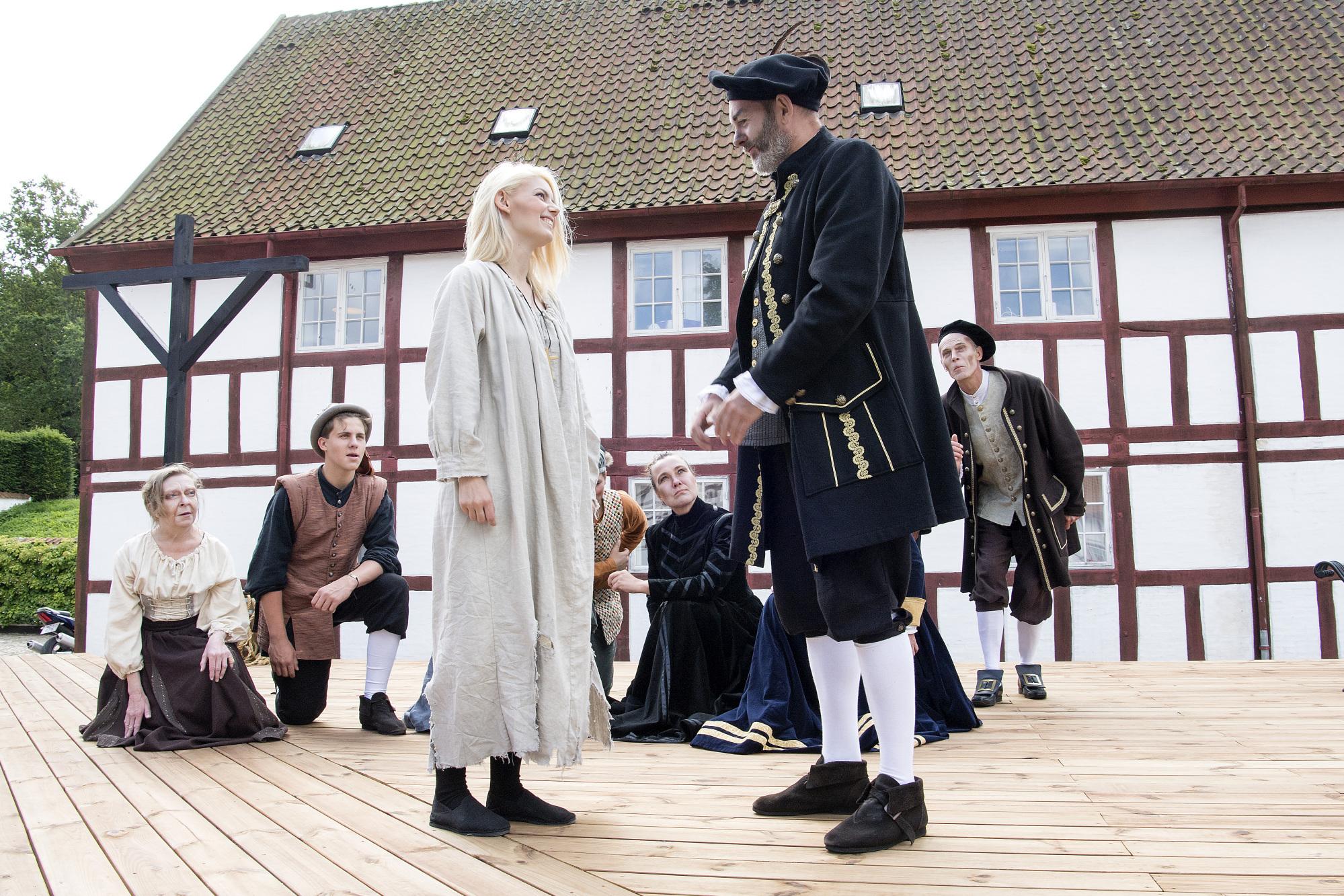 Aalborg Slotsteater har før iscenesat historiske fortællinger - her Jomfru Ane & Maren Turis i 2017 Arkivfoto: Andreas Falck