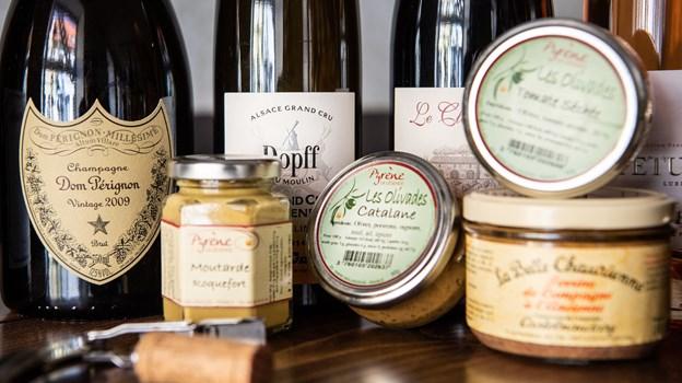 Franske vine og delikatesser er omdrejningspunkt i vinbaren. Foto: Henrik Bo