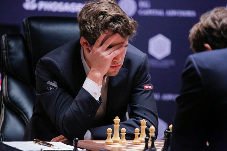 Magnus Carlsen fra Norge i sit famøse, kølige gemyt. Foto: Kena Betancur/Scanpix