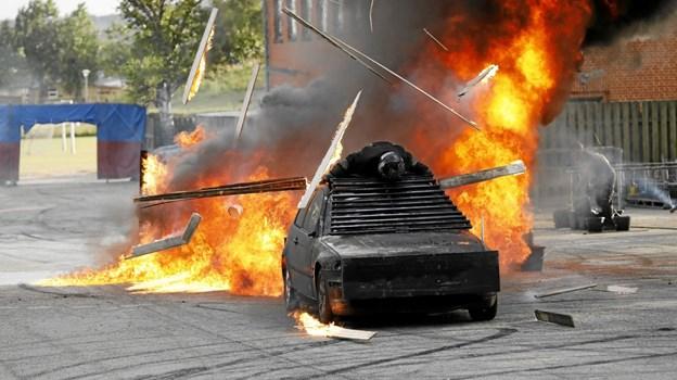 Kørsel gennem ild med passager på taget Foto: Michael Madsen Michael Madsen