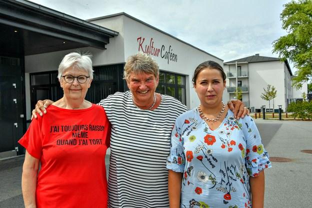 Lissy Strier Kærholm, Anne Kjeldtoft og Marie Møller er parat med hjælp til at få det danske sprog på gled. Foto: Kurt Bering