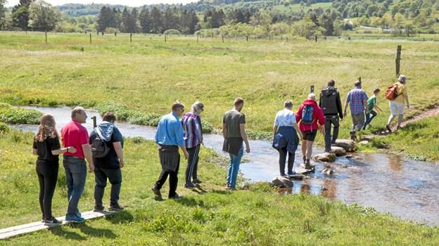 Flokken fra Haverslev El i færd med at passere Kovads Bækken. Privatfoto