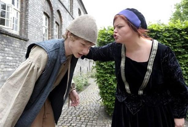 ejendom brødre på dating hvem er damon fra vampyr dagbøger dating