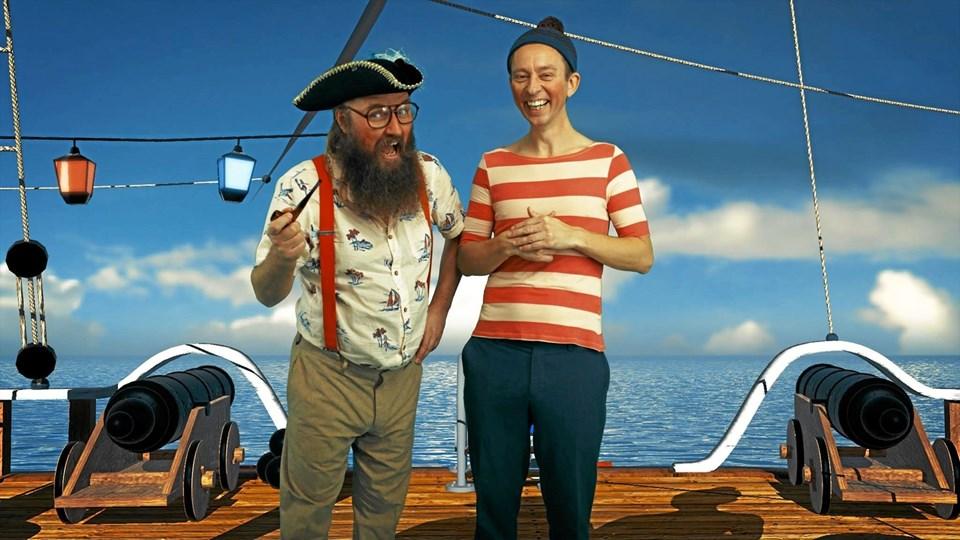 13. februar i efterårsferien kigger Onkel Reje (Mads Geertsen) og Brille (Brian Lykke) forbi Thisted Musikteater. Bureaufoto