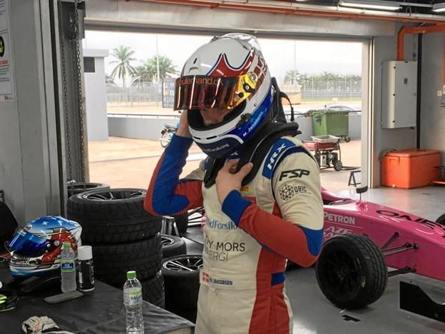Det blot 15-årige racertalent, Malthe Jakobsen, har brugt fire dage i Malaysia på at træne i Formel 4 for måske at køre den Sydøstasiatiske serie senere på året.Privatfoto