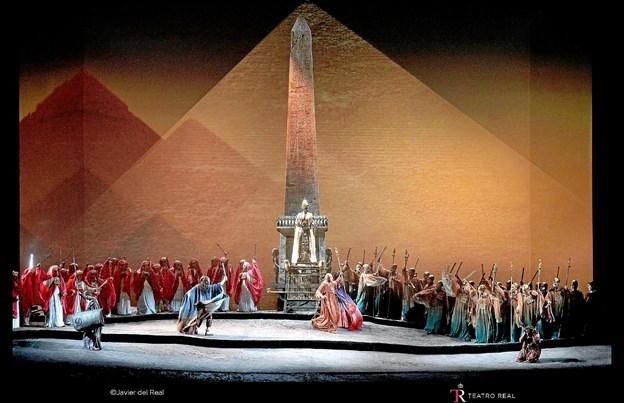 En scene fra opførelsen af Aida i den kongelige opera i Madrid.Foto: Javier del Rel