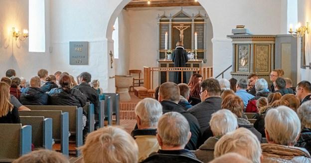 "I en fyldt kirke prædikede provst Winnie Rischel ud fra Matthæusevangeliet Kapitel 8 om ""Officeren i Kapernaum"". Foto: Niels Helver Niels Helver"
