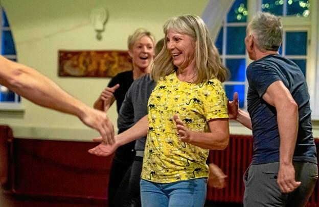 Smil, dans, musik og socialt samvær er kommet for at blive på Livø. Foto: Bo Christensen