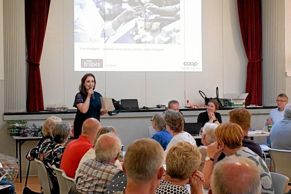 Anden halvdel af bestyrelsens beretning fremlægges af Helle Bundgaard Laursen. Foto: Niels Helver Niels Helver