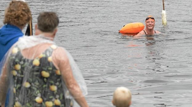 Svømmerne bevarede humøret - trods strabadserne. Foto: Allan Mortensen Allan Mortensen