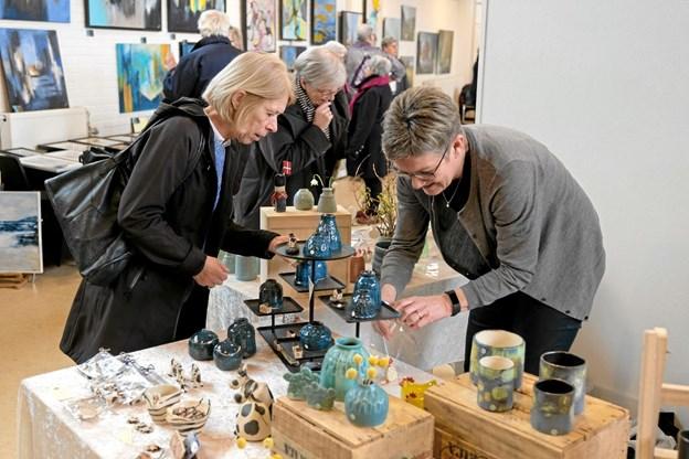 Foruden de mange malerier, er der også en del kunst i keramik. Foto: Niels Helver Niels Helver