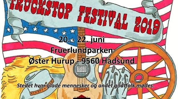 Fruerlundparken i Øster Hurup er også stedet, hvis du keder dig i sommervarmen, for der afholdes en del forskellige aktiviteter blandt Truck Stop Festival og US Car Camp. Logo: Privat.