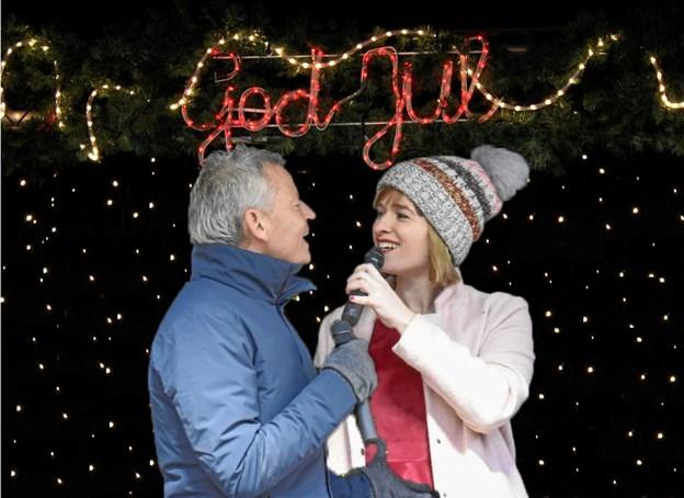 Bubber og Louise Dubiel skaber stemning i et moderne juleeventyr på Fisketorvet.