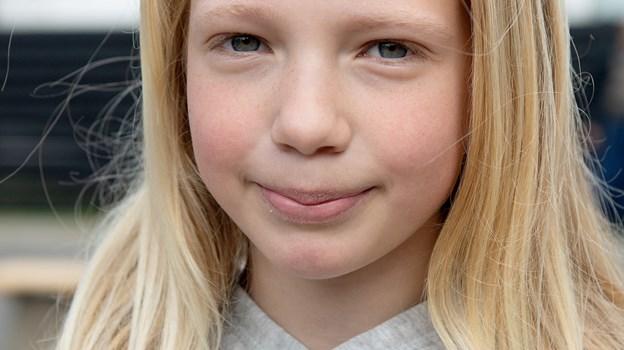 Emma Kjær Nielsen, 11 år: - Jeg synes, det er rigtig fint, for så er der mere, man kan bruge uden for hallen, i stedet for at det kun er indenfor. © Lars Pauli