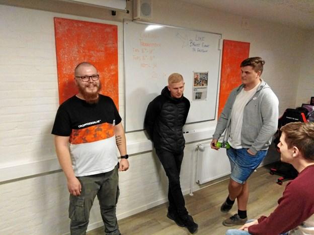 Steffen Fisker og klubbens to trænere, Stefan Larsen og Andreas Krabsen, stod klar til at svare på alle de spørgsmål, der bød sig i løbet af aftenen. Privatfoto
