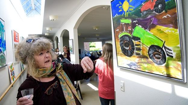 Billedkunstner Pia Mesterton Graae har i 14 dage undervist beboerne på Poppelvej og Egehuset.