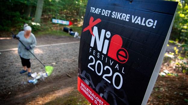Markedsføringen af næste års festival var lavet som valgplakater flere steder i Skalskoven. Foto: Martin Damgård