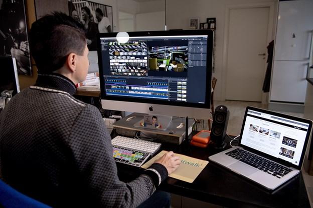 Her ved pulten mikses de gode påfund, som Webfront.dk gør sig i. © Lars Pauli