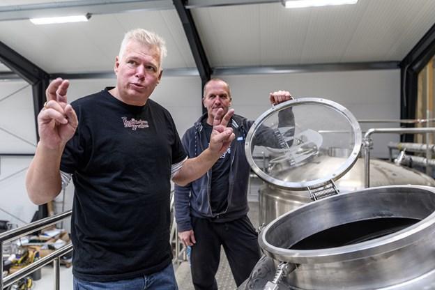 Vi kan brygge 2000 liter ad gangen. Så det betyder, at jeg på en enkelt arbejdsdag kan nå to produktioner, siger Kent Boalth. Foto: Nicolas Cho Meier