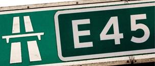Køer rendte rundt på motorvej E45