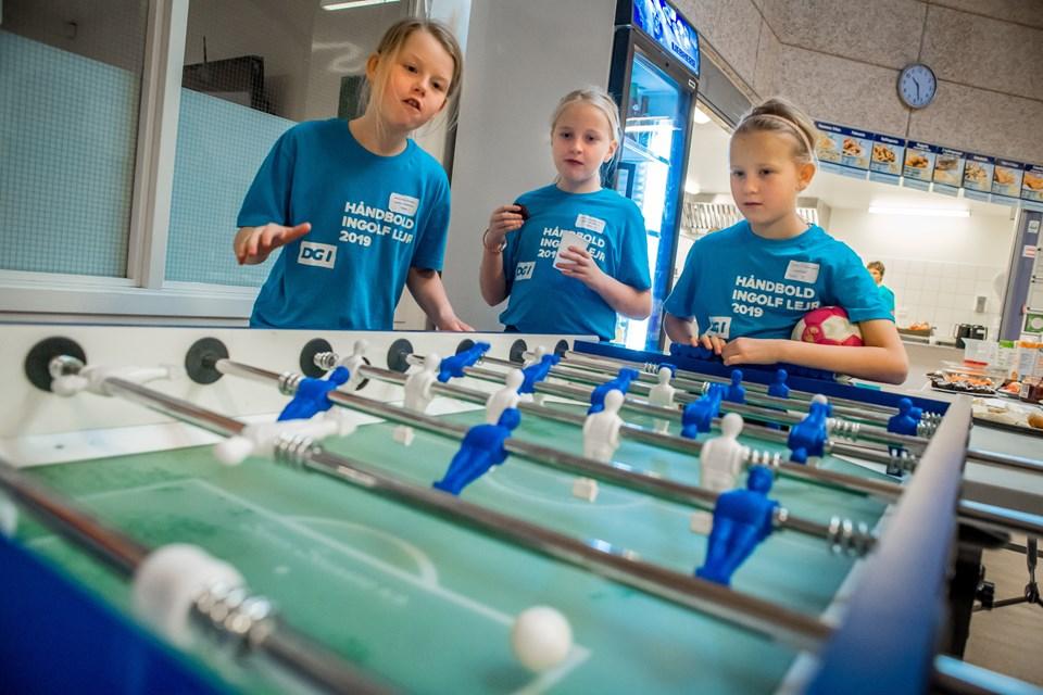 Det hele skal ikke kun gå op i håndbold, det vigtige er også at have det sjovt sammen og finde nye venner. Foto: Martin Damgård Martin Damgård
