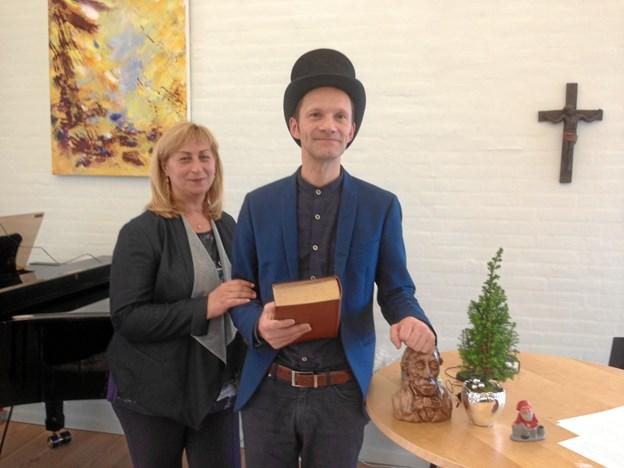 Irina Stetsun Thomsen og Per Iversen underholdte med H. C. Andersen.Privatfoto