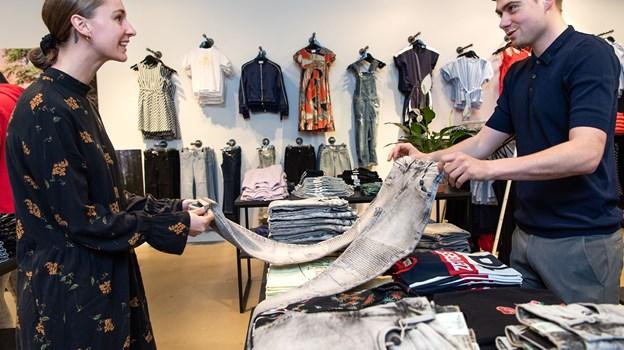 I første omgang skal der gang i forretningen i Aalborg Storcenter, men fremtiden kan byde på endnu flere eventyr for de unge iværksættere. Foto: Henrik Bo