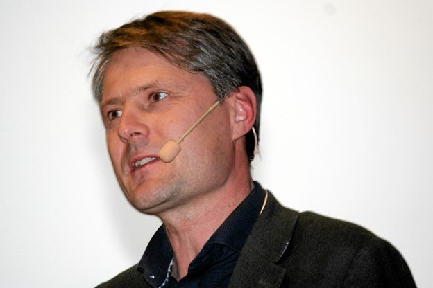 Professor Jakob Kjellberg havde dystre tal med til mødet. ?Foto: Flemming Dahl Jensen Flemming Dahl Jensen