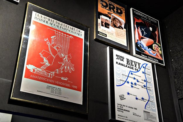 Et væld af plakater kan ses i den nye særudstilling. BENT BACH